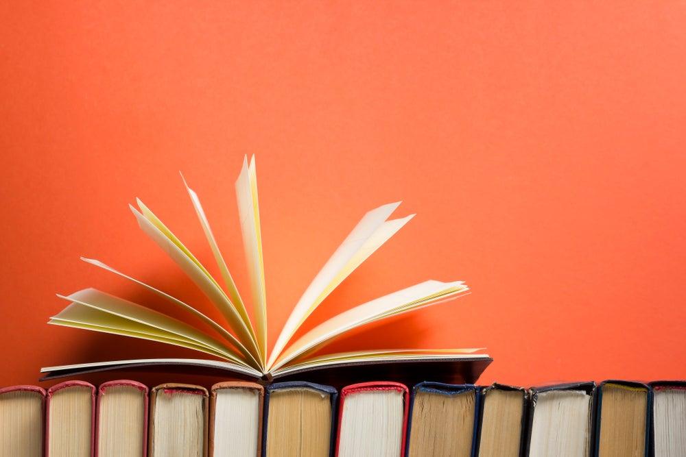 Consejos para tener ordenados los libros de la estantería
