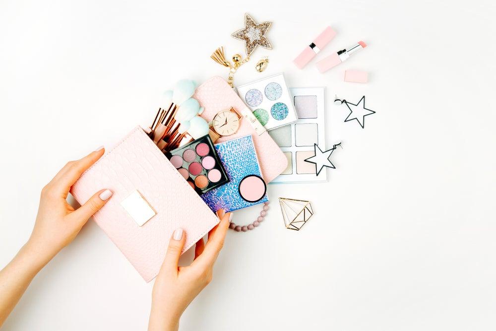 5 ideas para fabricar un organizador de maquillaje