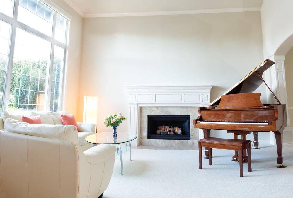 Piano de madera.