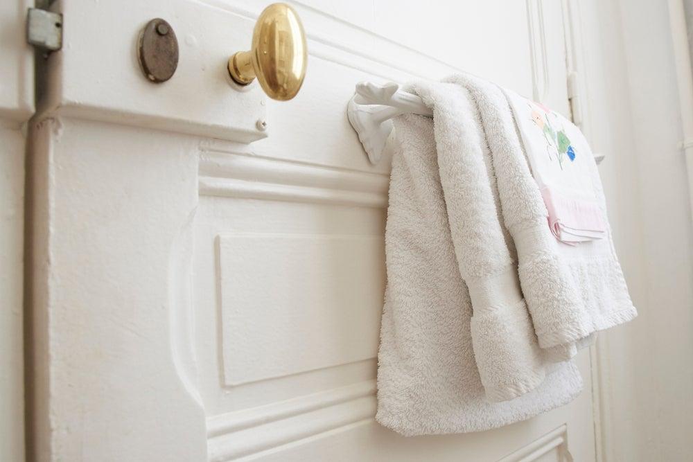3 novedosos toalleros para el baño