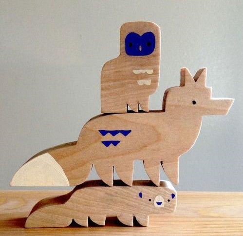 Diseños de animales de madera.