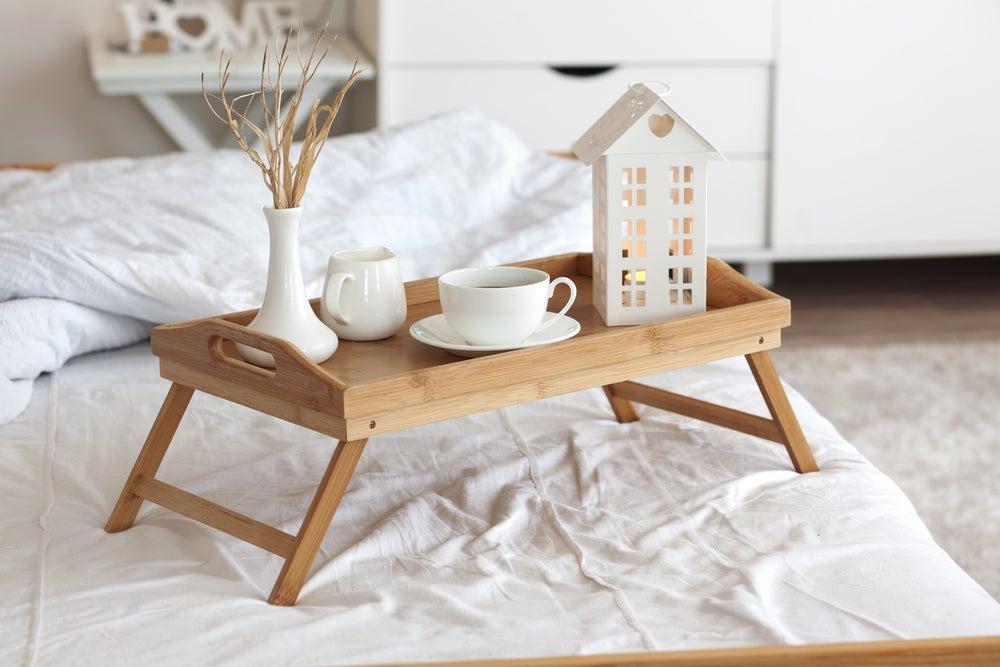 Bandeja para la cama de té.