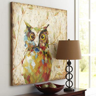 Existen varios tipos de búhos decorativos.