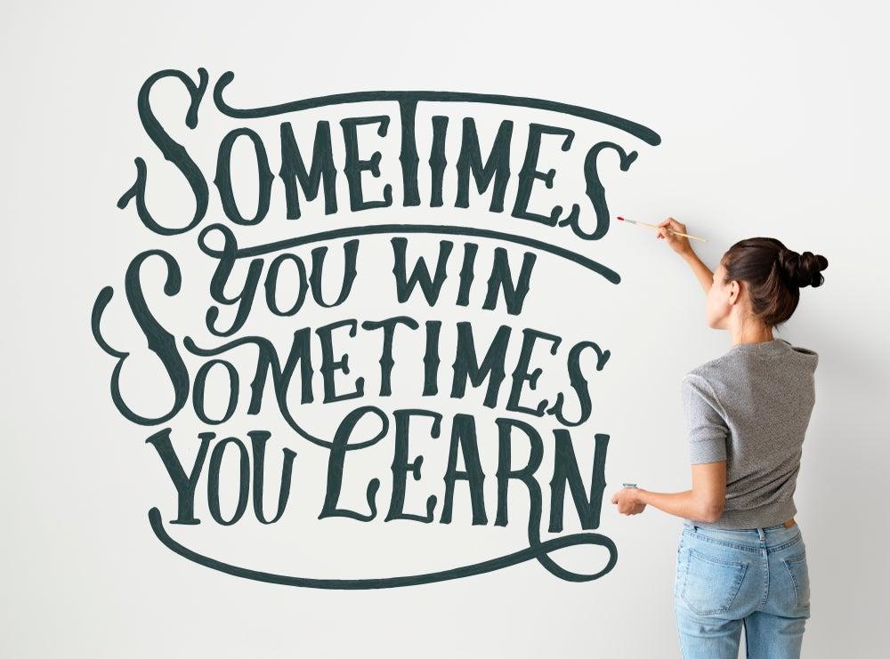 Incluye frases inspiradoras en tu decoración