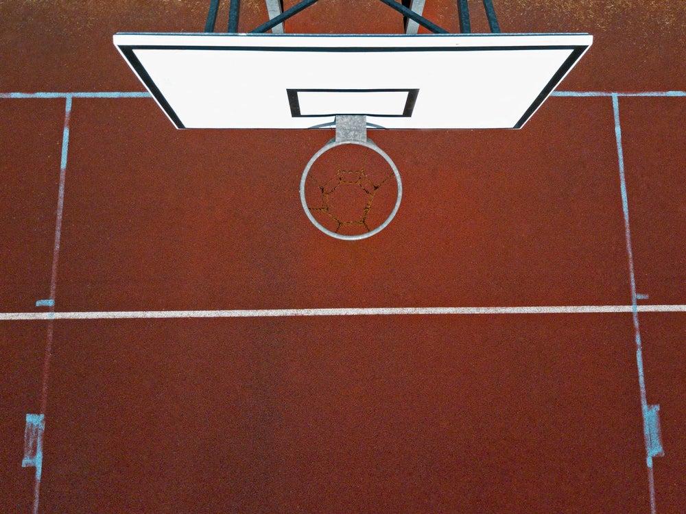Cancha de baloncesto.