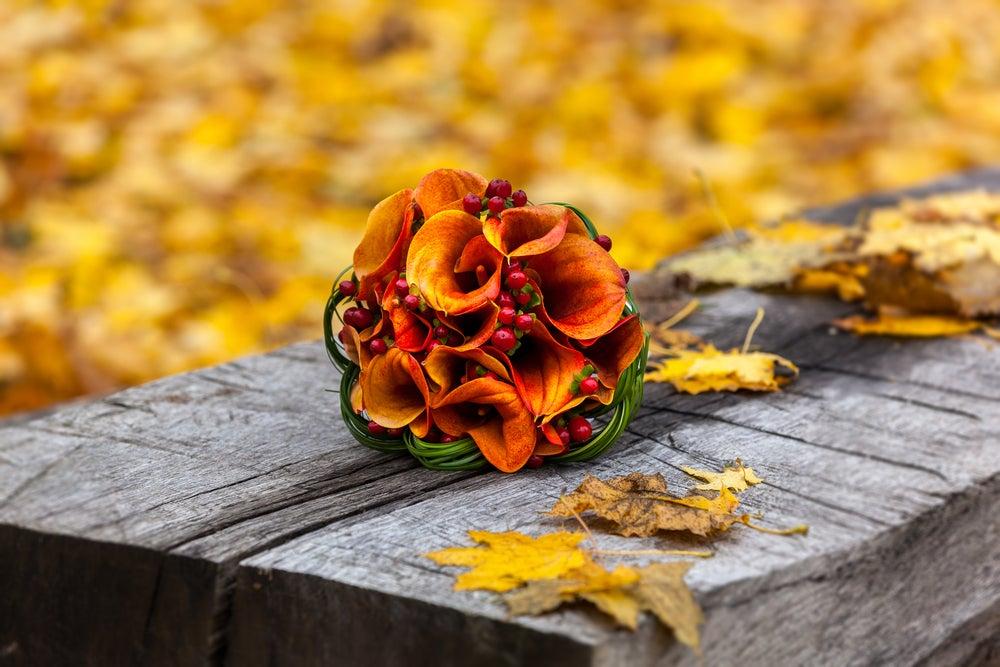 Ramo de flores otoñal para una boda.