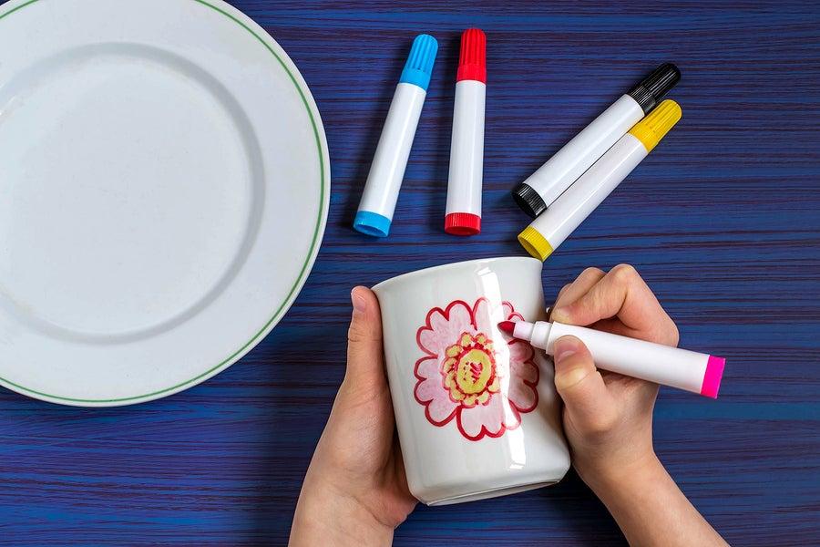 Cómo personalizar tazas con rotuladores