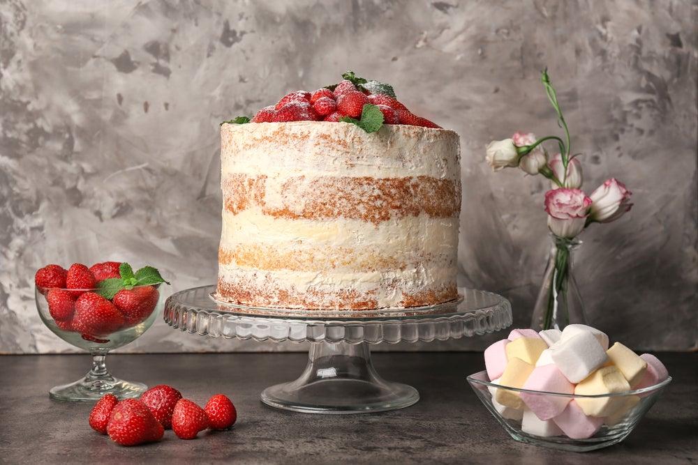 Soporte de tartas clásico de cristal.