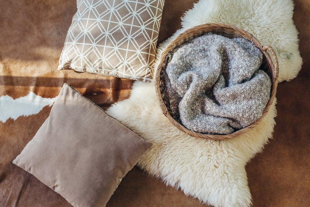 Textiles de pelo sintético: accesorios en tendencia