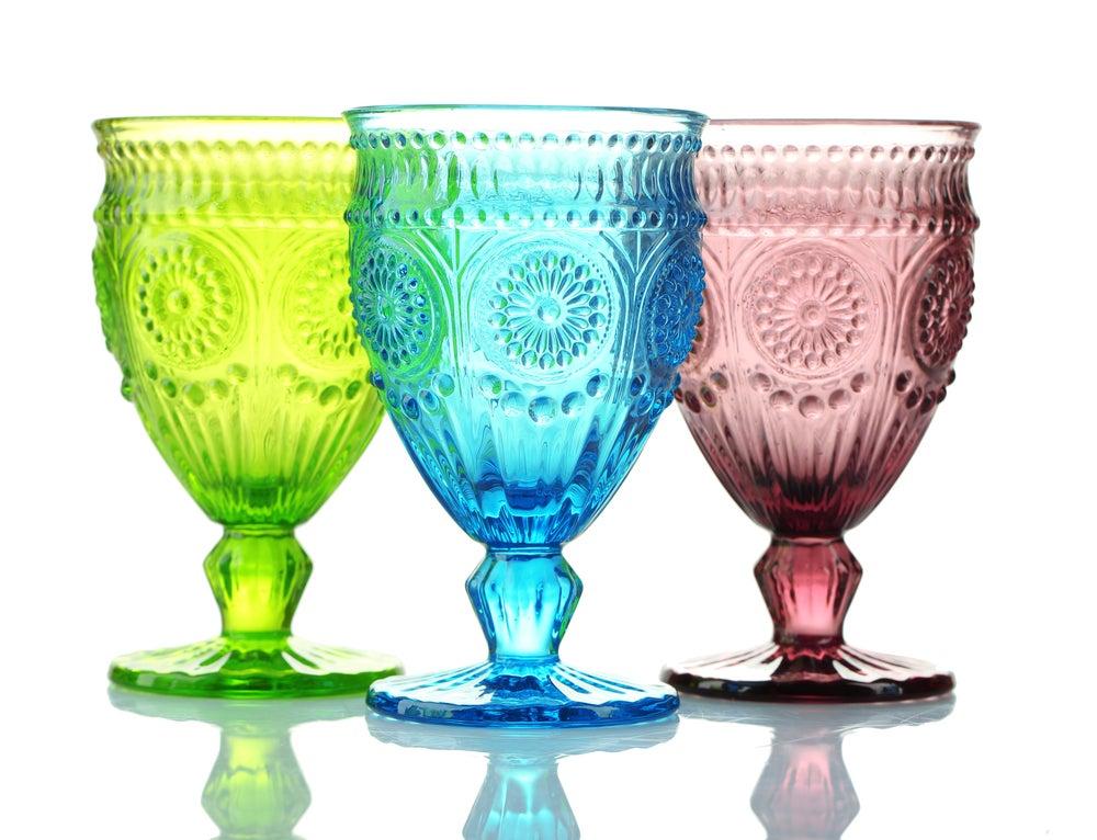 Vasos de colores y con textura.