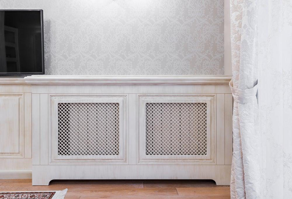 Cubre radiador en blanco.