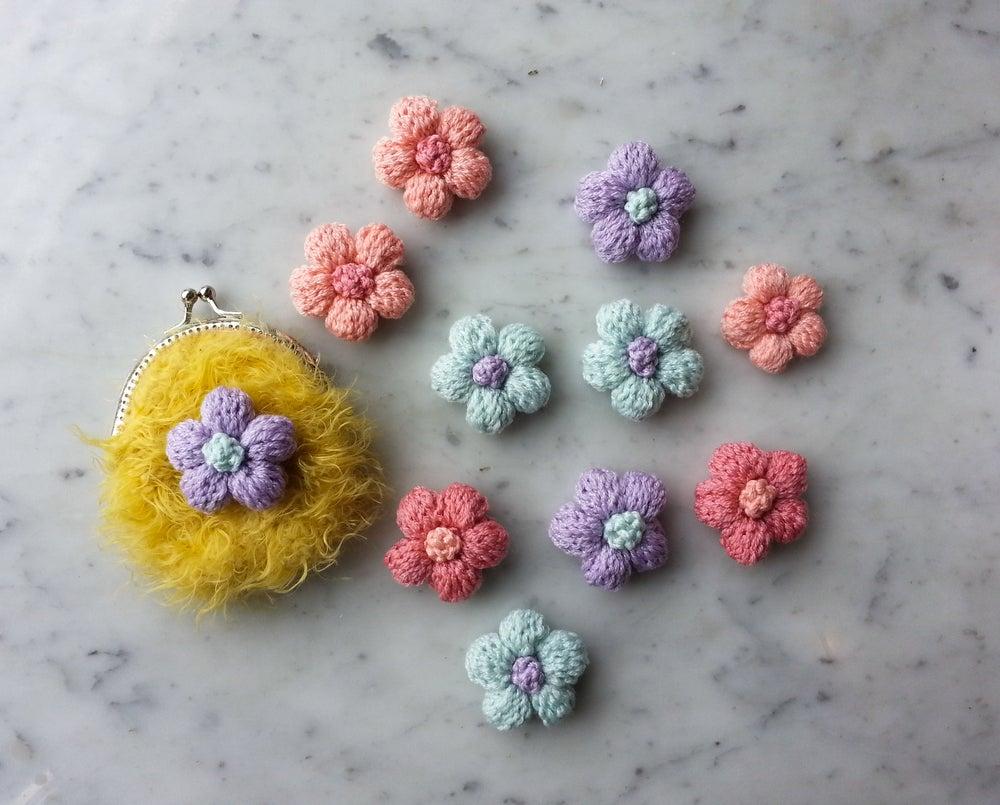 Flores de ganchillo para pines.