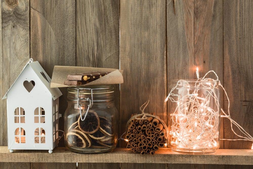 Decora frascos con luces navideñas