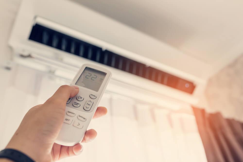 ¿Cómo debe ser el mantenimiento del aire acondicionado?