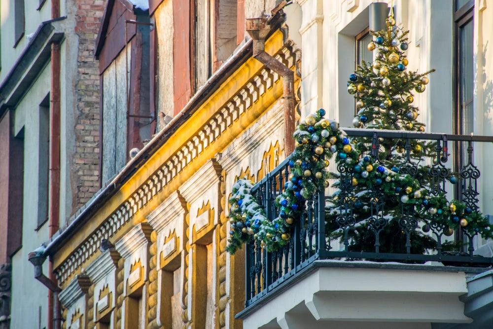Árbol de Navidad en la terraza.
