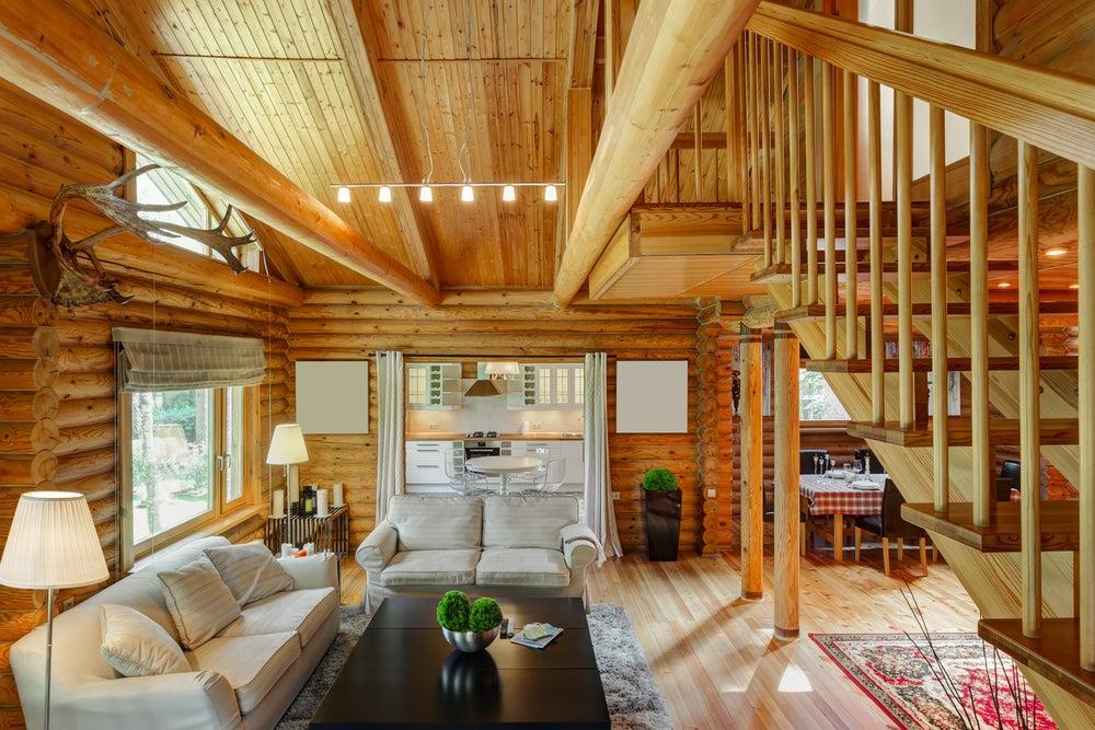 Casa de madera clara.