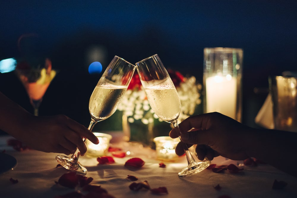 Cómo decorar una cena romántica