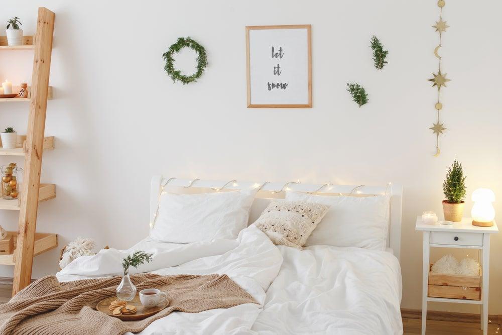 Reto dormitorio pequeño: cómo lograr que sea bonito, práctico y acogedor