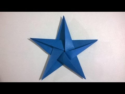 Estrella de papel de cinco puntas.