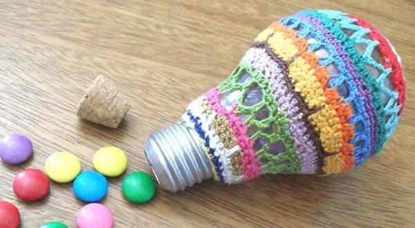 Reutilización de bombillas para decoración navideña