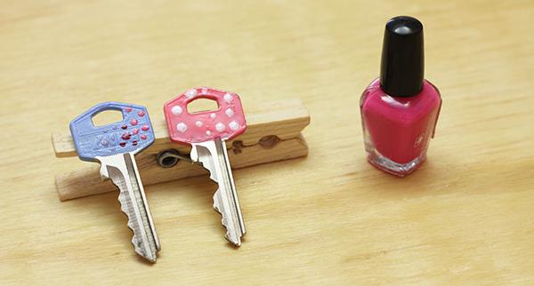 6 diseños de llaves decoradas con esmalte