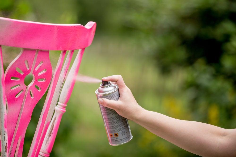 Pintura en aerosol rosa.