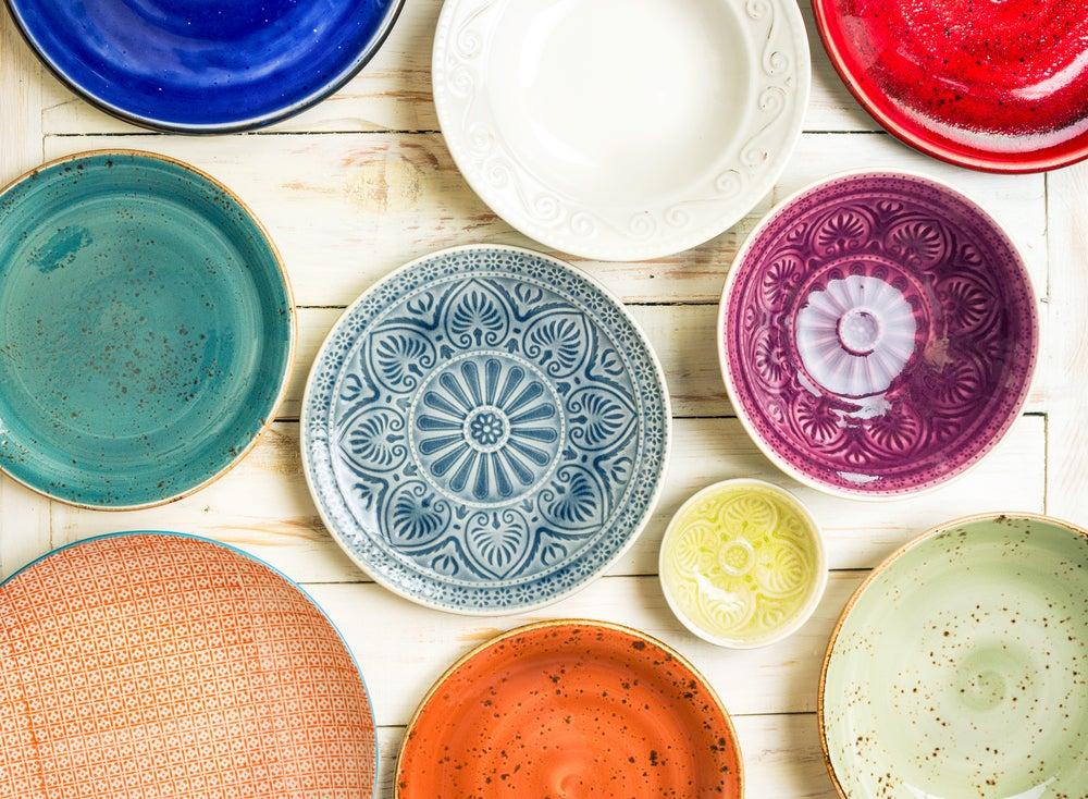 Platos de cerámica orgánica.