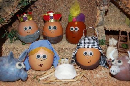 Portal de belén con huevos.