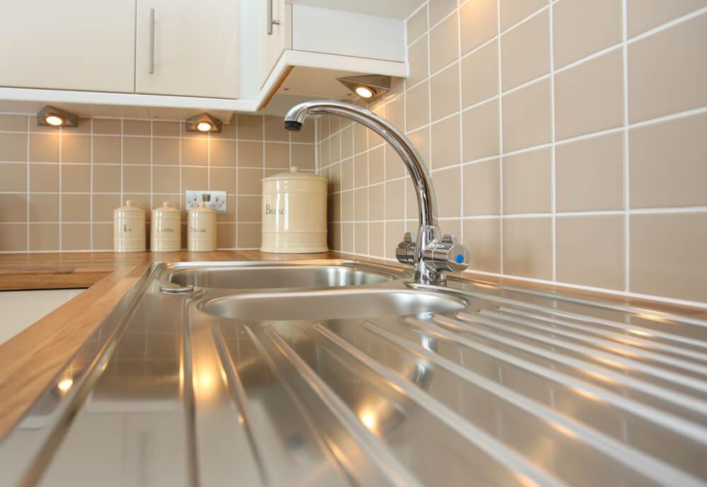 Azulejos de cocina con junta horizontal.