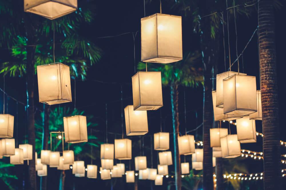 Diseño de lámparas en forma de cubo