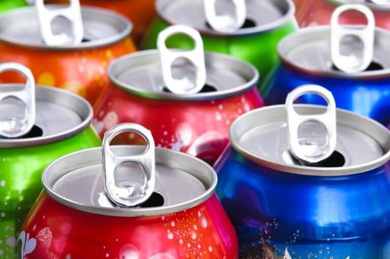 Hebillas de las latas como recurso para decorar