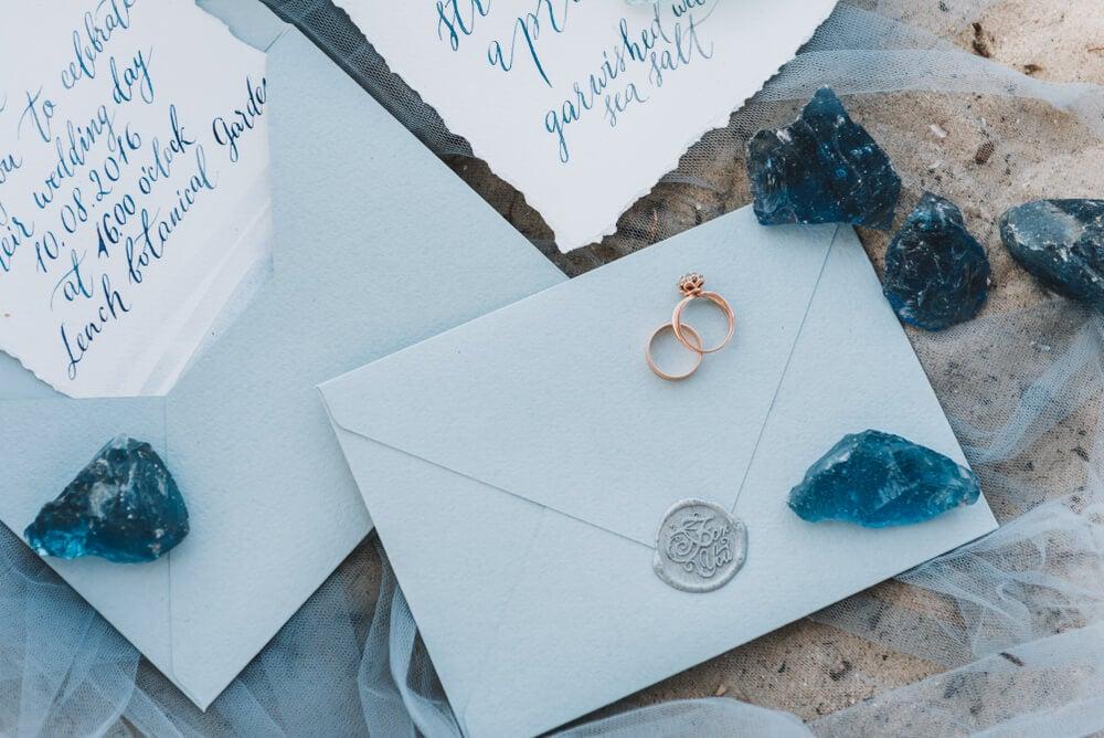 Invitaciones de boda con temática del mar.