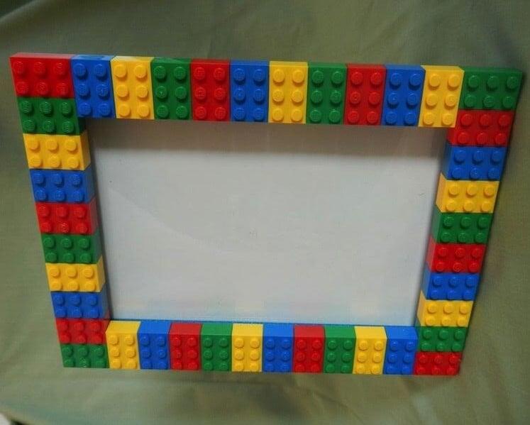 Marco de fotos LEGO.