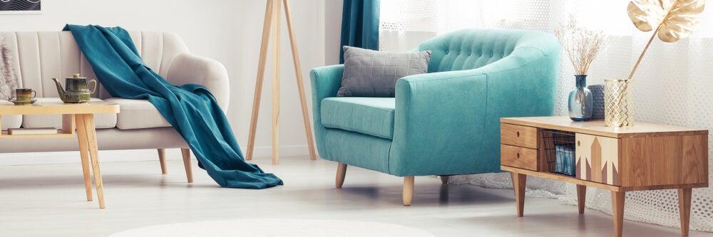 Mobiliario de color turquesa.