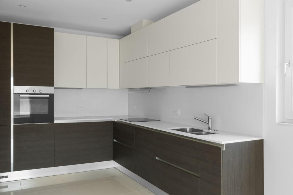 Muebles minimalistas sin tiradores.