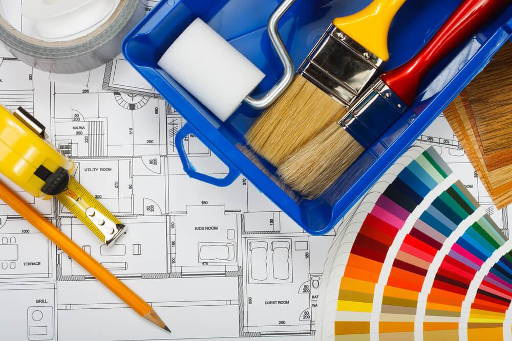 Pintar en familia las paredes de tu hogar.
