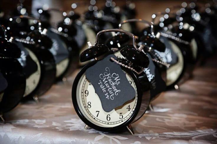 Reloj como invitación de boda.