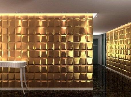 Revestimiento de pared dorado.