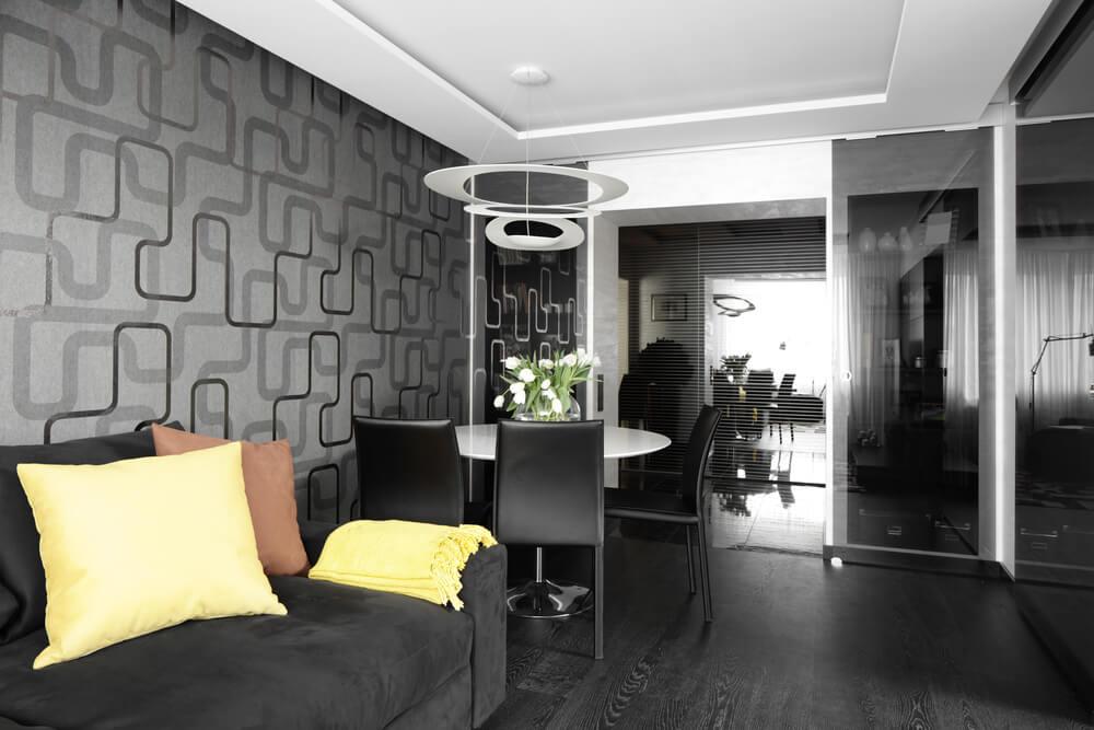 Salón pequeño en color negro.