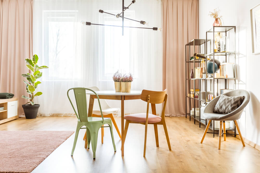 Evita la sobrecarga decorativa en tu hogar