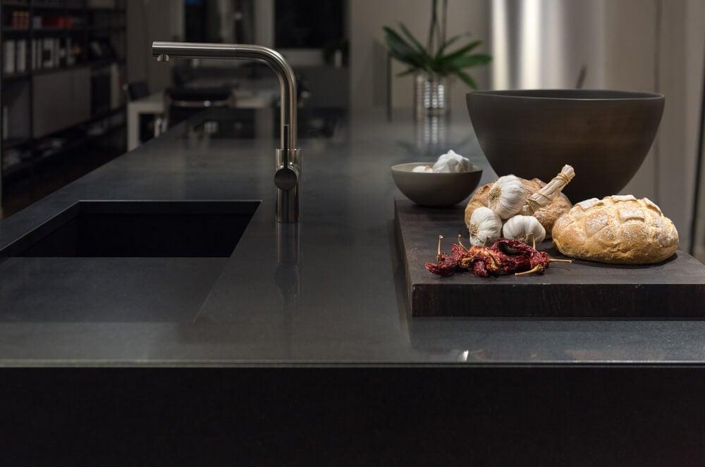 Ventajas y desventajas en la cocina de las encimeras de granito