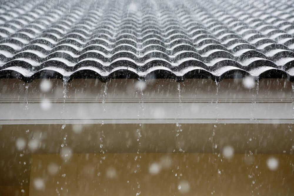 Impermeabilización de cubiertas reflectivas para industrias y edificios