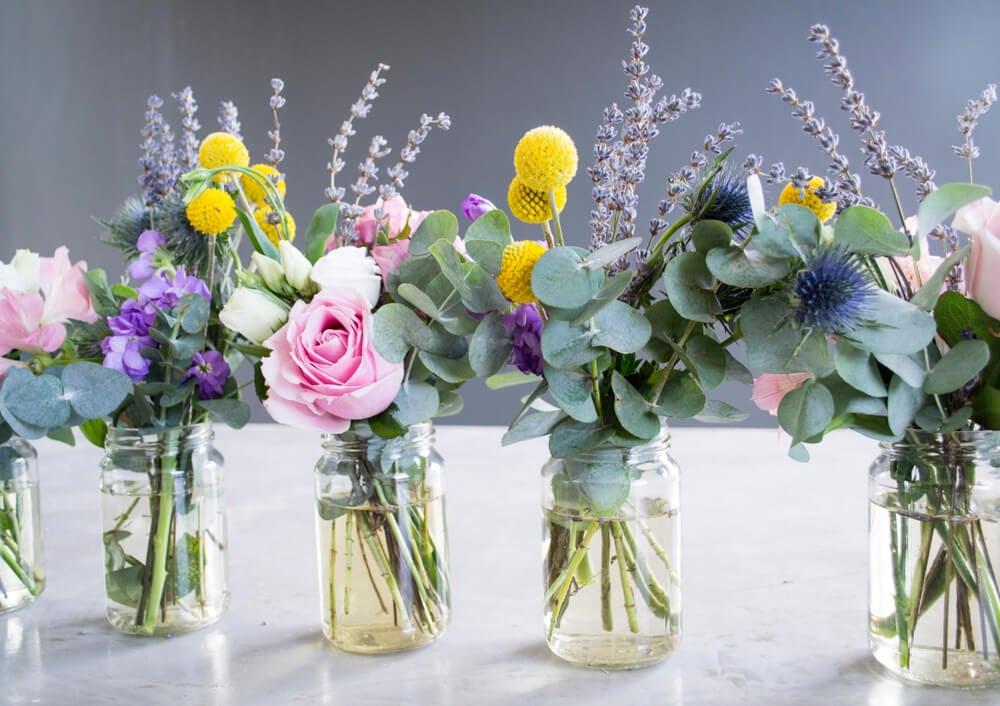 Mason Jar con flores.