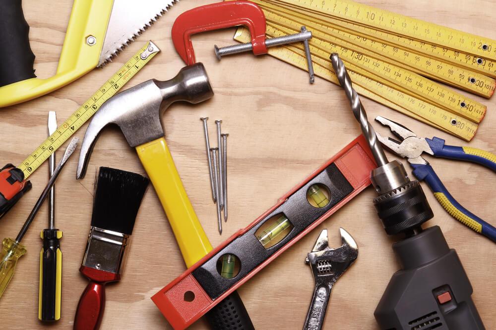 Materiales y herramientas de construcción.