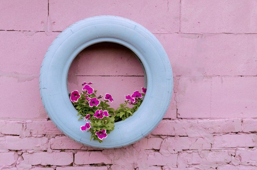 5 ideas para usar neumáticos en el jardín