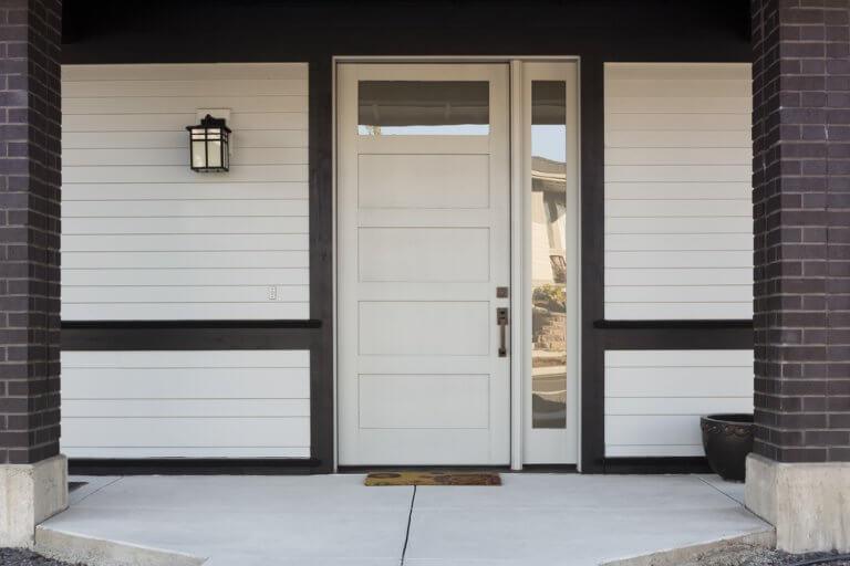 Puertas minimalistas para el diseño de exteriores
