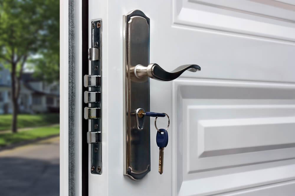 Diferencias entre una puerta blindada y una acorazada