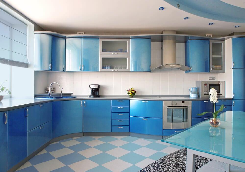 Cocina azul cielo.