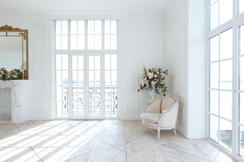 A shabby chic and minimalist fusion.