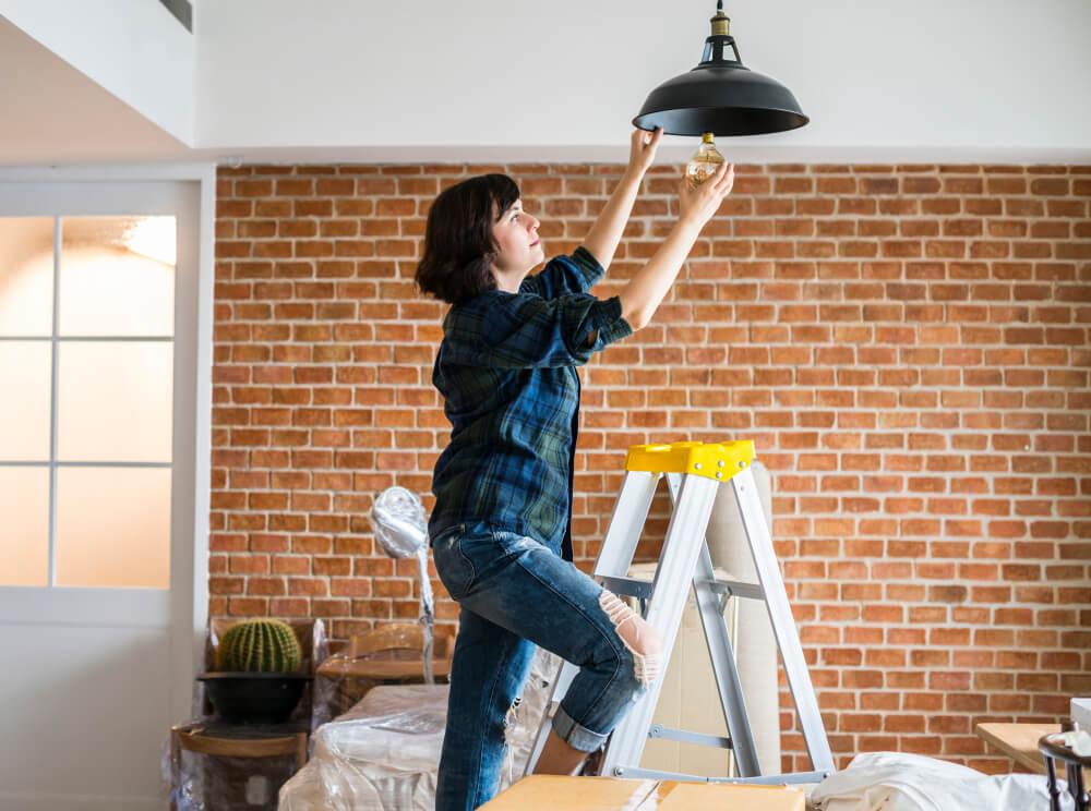 Instalación lámpara de techo.